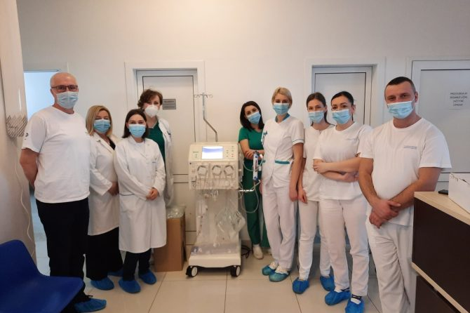 Dijaliznom centru Univerzitetske bolnice Foča Inel-med d.o.o Mostar donirao je aparat  Diapact® CRRT